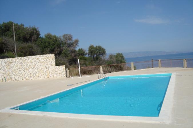 Galleria ricambi e accessori per piscine l v for Accessori per piscine