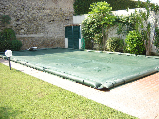 Galleria ricambi e accessori per piscine l v for Accessori piscine